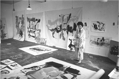 A photo of Helen Frankenthaler in her art studio