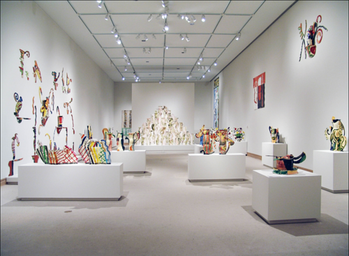 A 2006 retrospective of Betty Woodman's artwork at MoMA