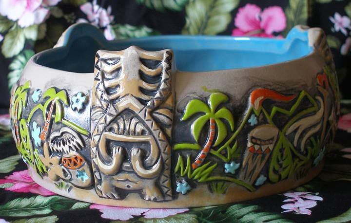 Painting Kainoa Bowl  TikiFarm hand-painted bowl Diorama Edition by Kenneth M Ruzic