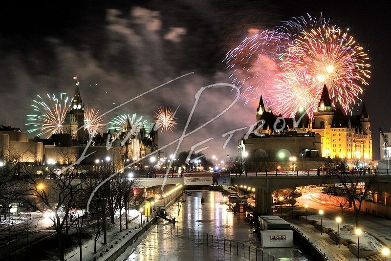 #YOW13 - Fireworks over Parliament Hill by Ivan Petrov