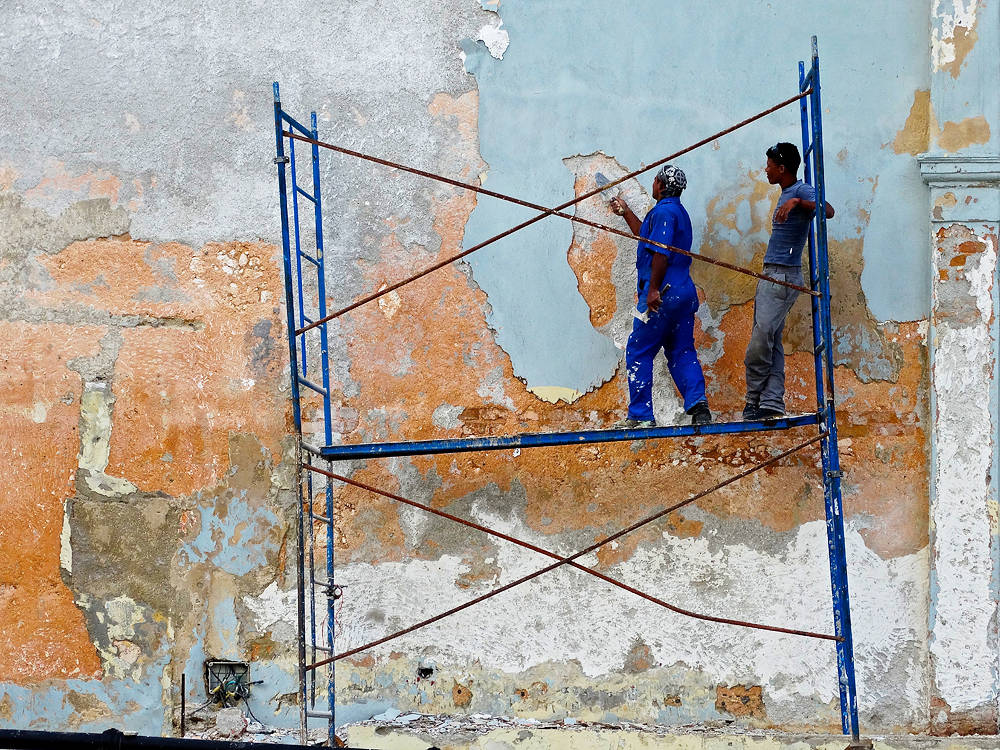 SmallHavana Scaffold by Robert Easton