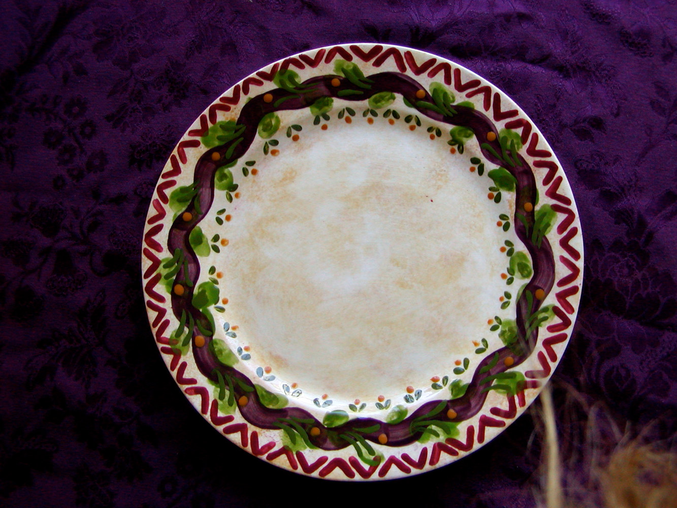 Painting Italianate Eclectic Glazeworks: Dinner Plate Design 9 by Victoria Avila