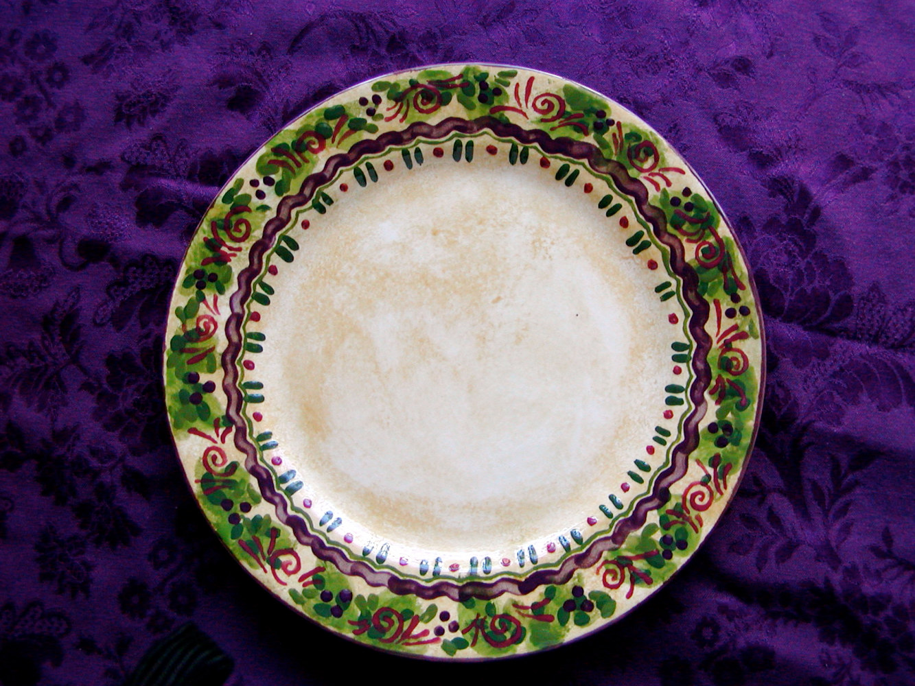 Painting Italianate Eclectic Glazeworks: Dinner Plate Design 7 by Victoria Avila