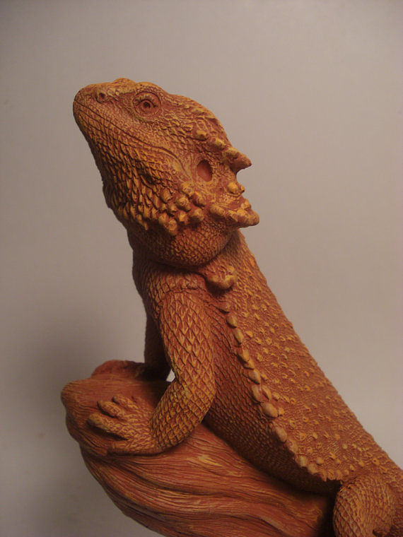 Painting Bearded Dragon sculpture (terra cotta finish) by Jason  Shanaman