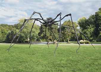 A sculpture of a giant spider