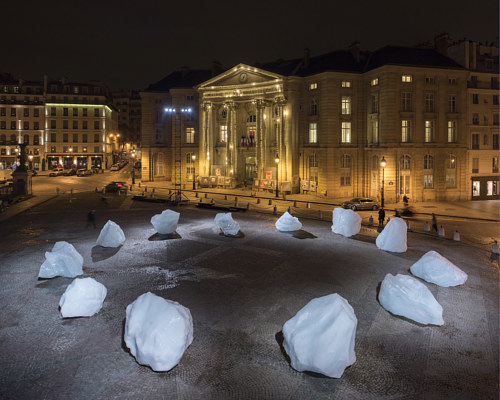 Olafur Eliasson and Minik Rosing's Ice Watch installation