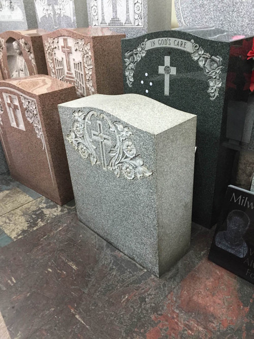 A photo of the Trump tombstone pre-engraving