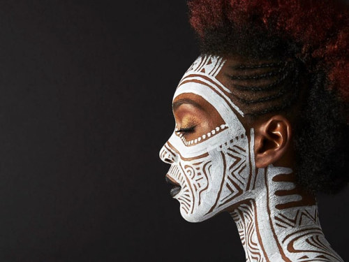 A photo of body art by Laolu