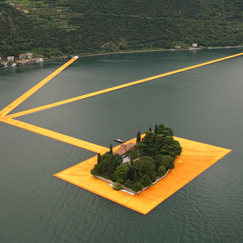 A photograph of Christo's The Floating Piers installed in Lake Iseo