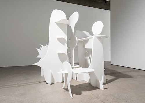 A sculpture made from the overlapping forms of speech bubbles