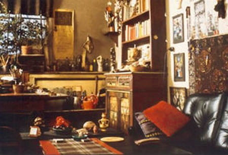 An image of Jeanne Mammen's home studio
