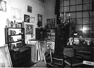 A photo of Jeanne Mammen's studio in 1960