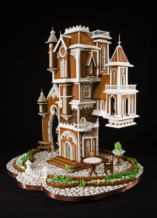 A prize-winning gingerbread house by Beatriz Muller