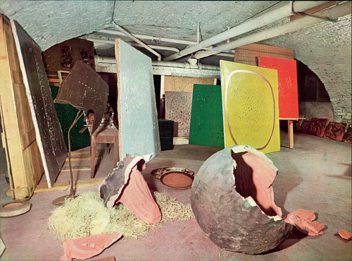 A photo of Lucio Fontana's art studio