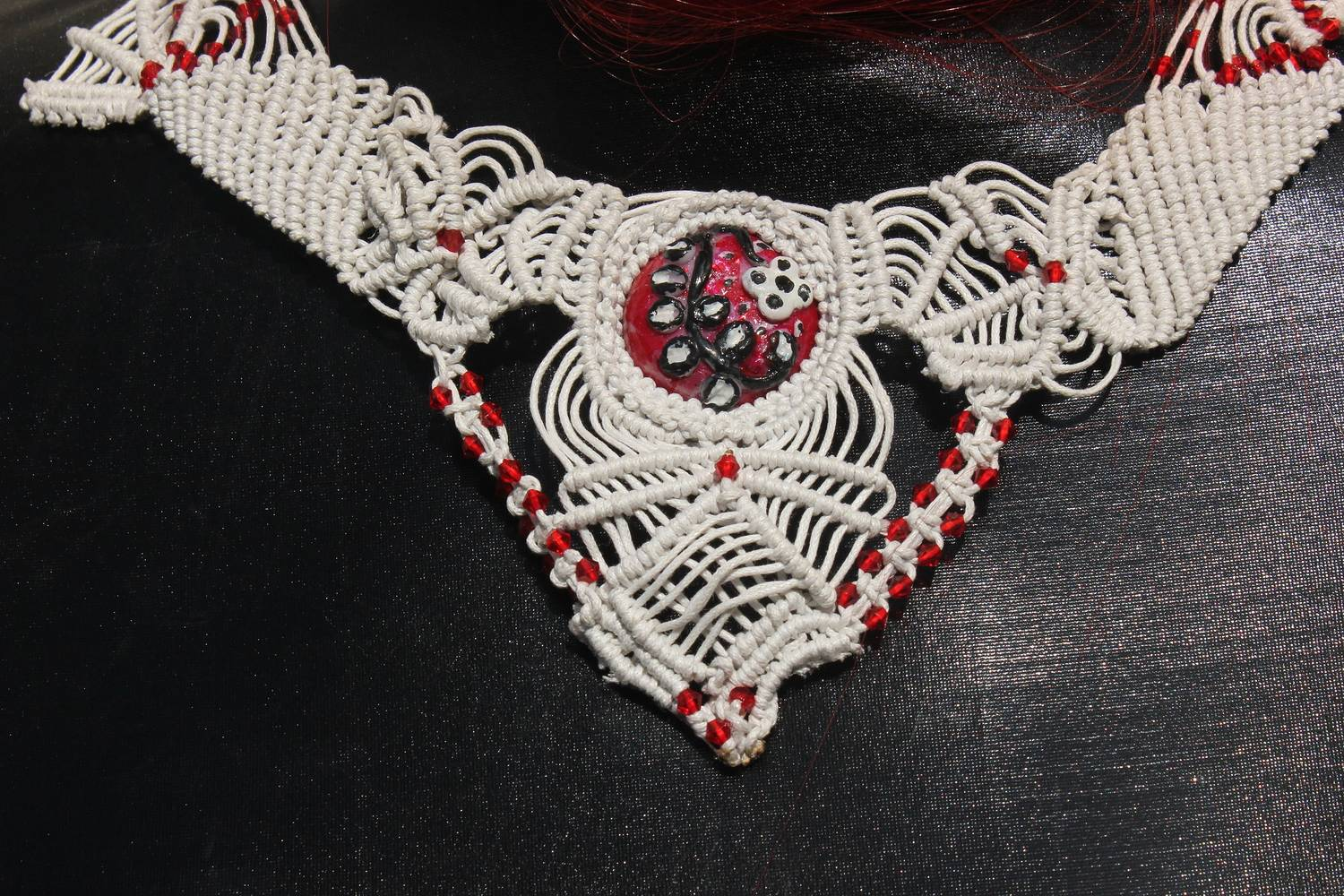 White necklace one-of-a-kind by Chía Ortegón