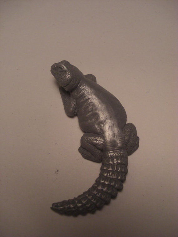 Uromastyx magnet (cold cast pewter) by Jason  Shanaman
