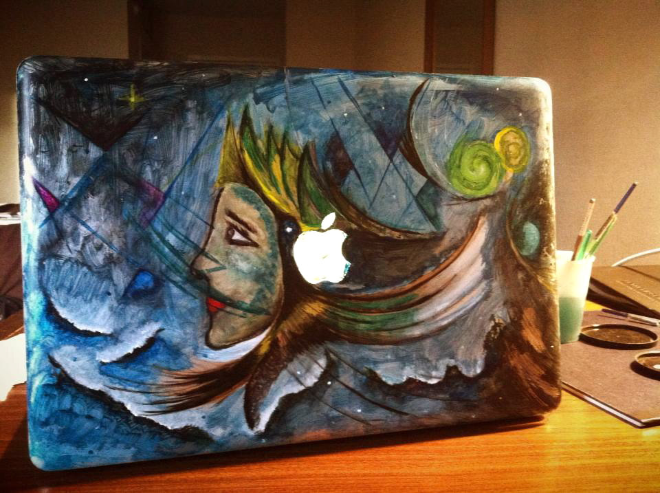 Acrylic on laptop by Bruno Hernani