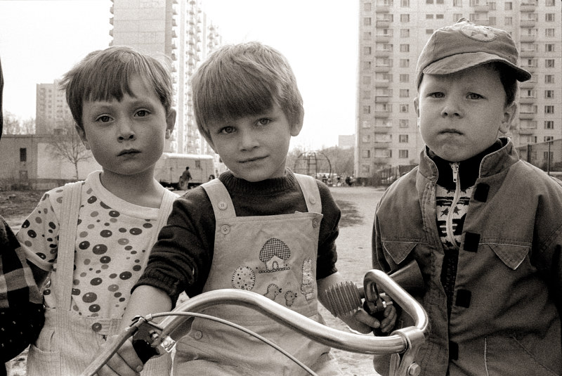 Children of Muzhaisky Prospect, Moscow, no. 01, 1992 by Jim Holbrook