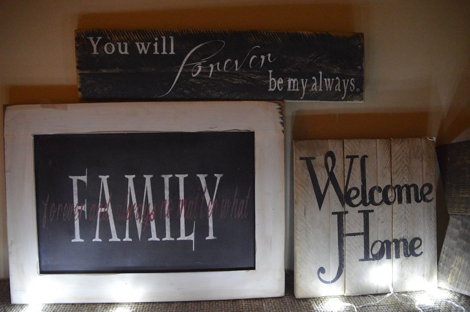 Family and Home Signs by Bev Robertson