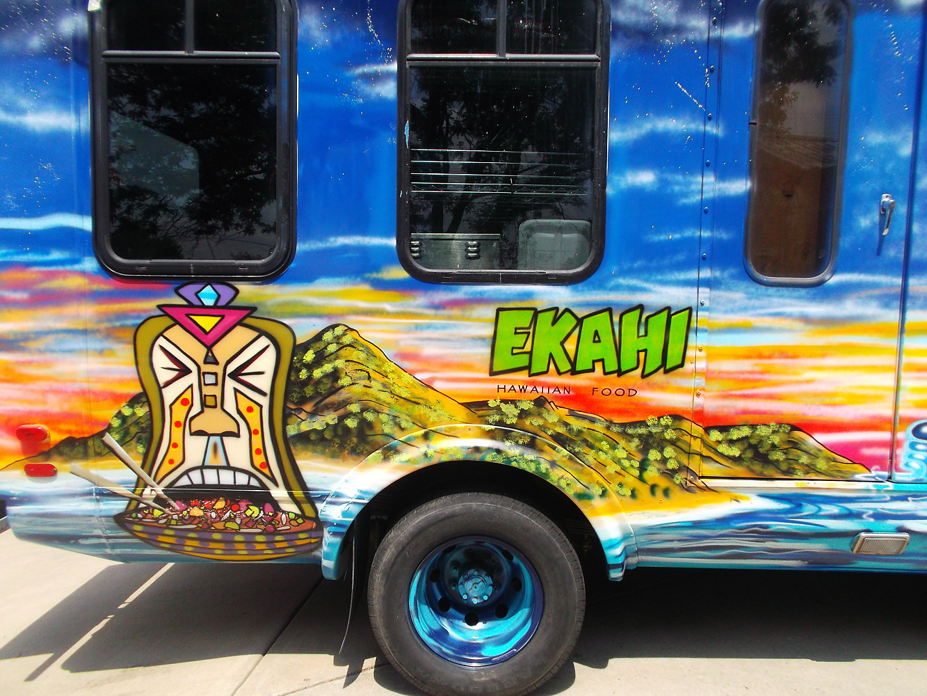Ekahi Hawaiian Food Truck by Isaac Carpenter