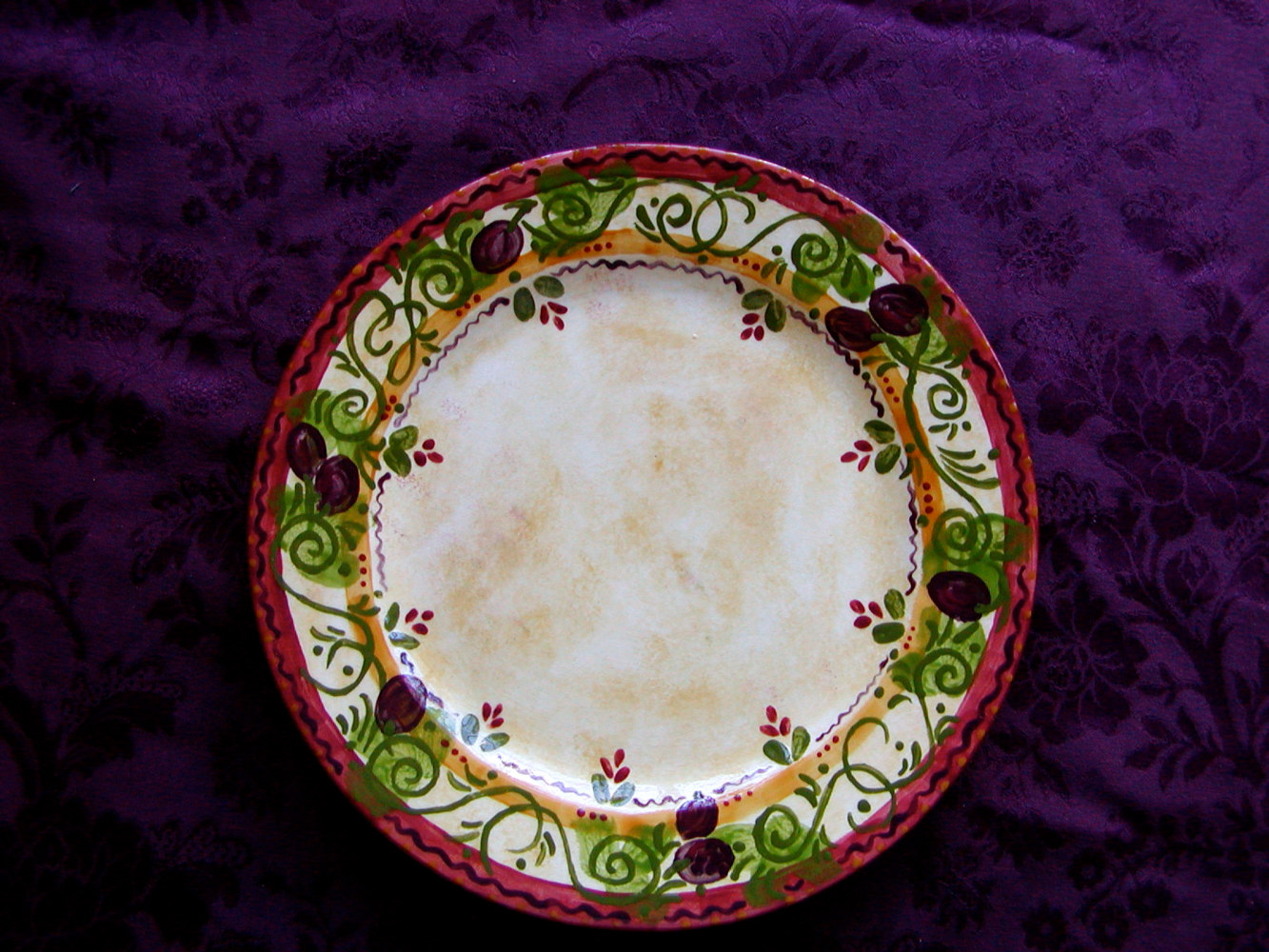 Painting Italianate Eclectic Glazeworks: Dinner Plate Design 2 by Victoria Avila