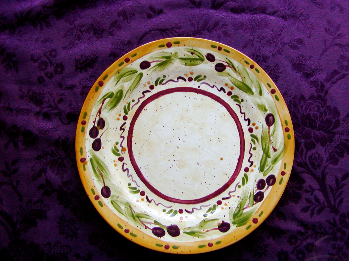 Painting Italianate Eclectic Glazeworks: Dinner Plate Design 1 by Linnie (Victoria) Aikens Lindsay