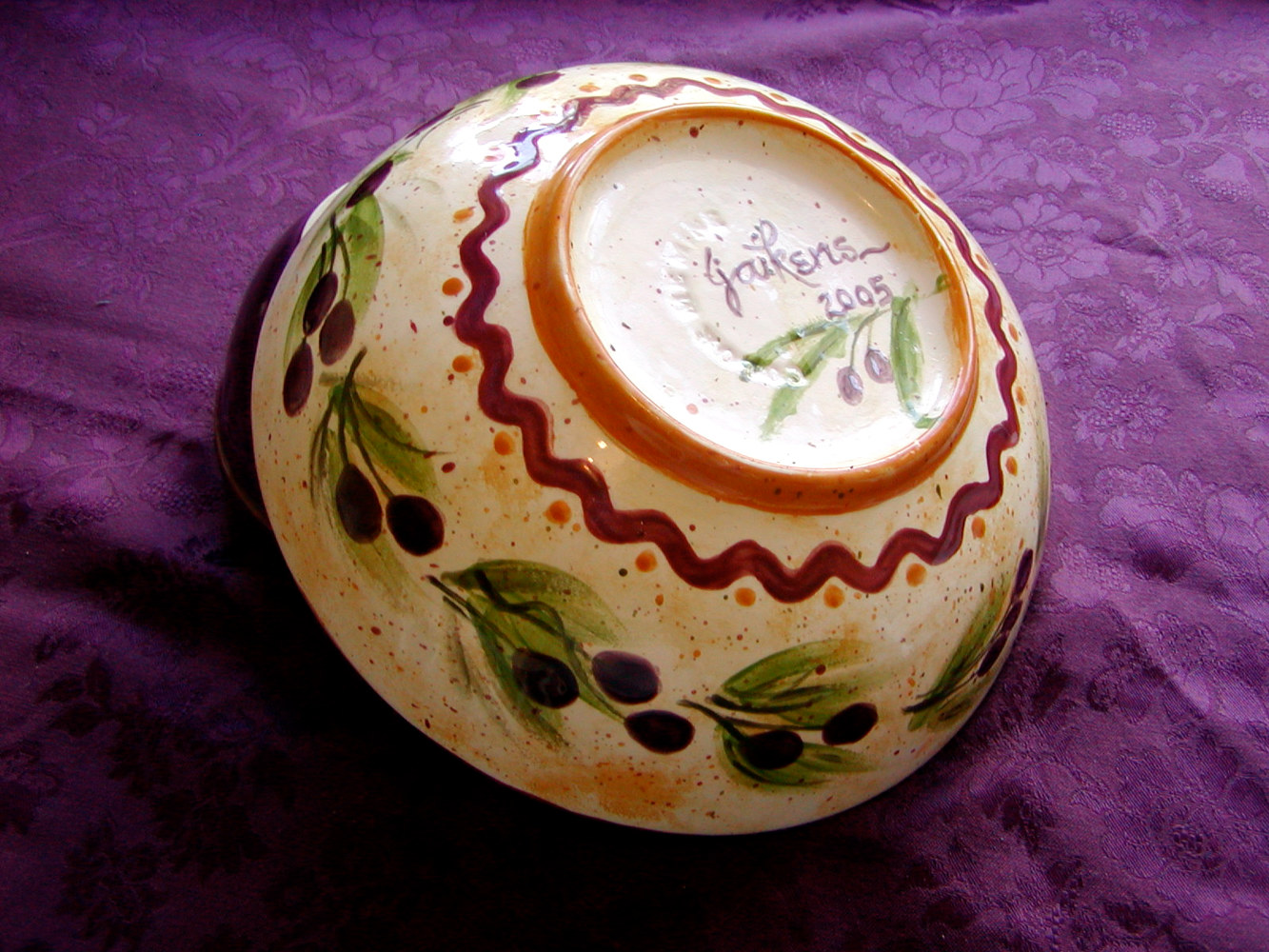 Painting Italianate Eclectic Glazeworks: Small Serving Bowl by Victoria Avila