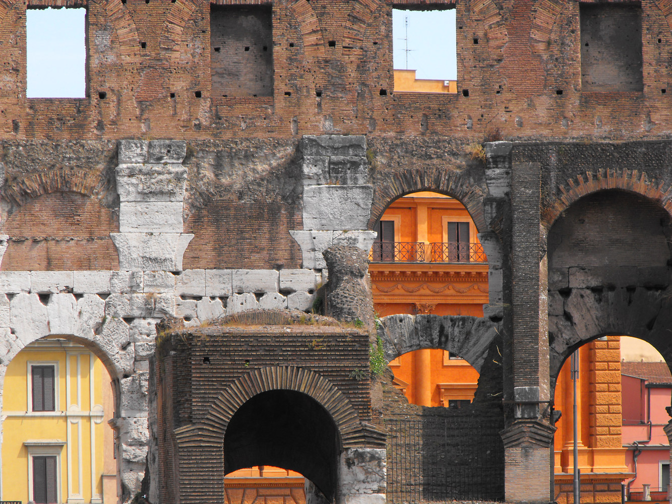 Photography Colosseum, Rome, Italy (2009) by Scott Ross
