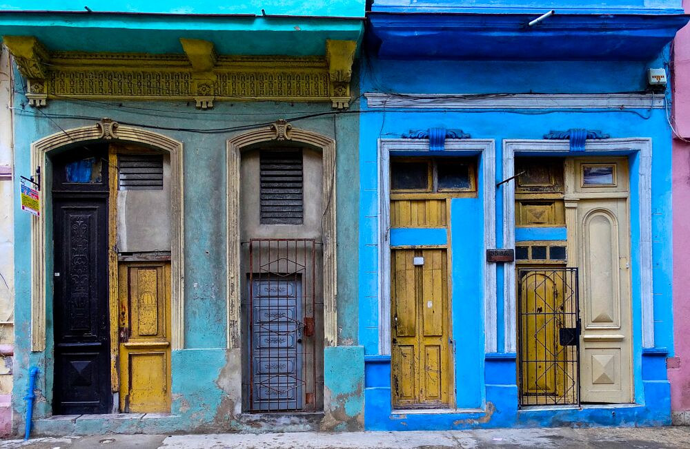 Havana Color by Robert Easton