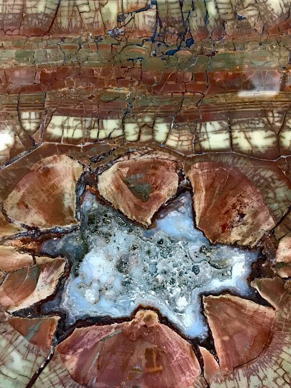 Geode agate slice macro by Richard  Ashby