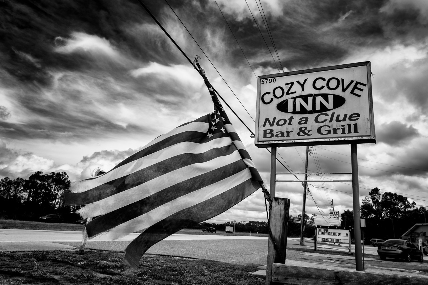 Cozy Cove Inn, US 192  (PL55_7401BW) by Gary Jones