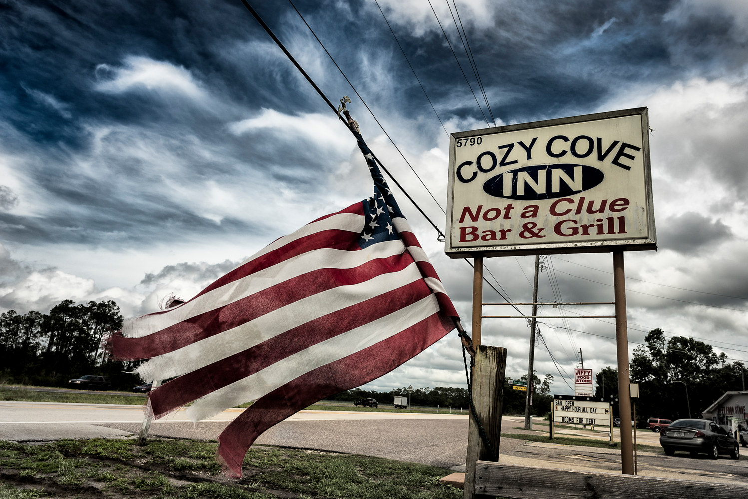 Cozy Cove Inn, US 192  (PL55_7401BWT) by Gary Jones