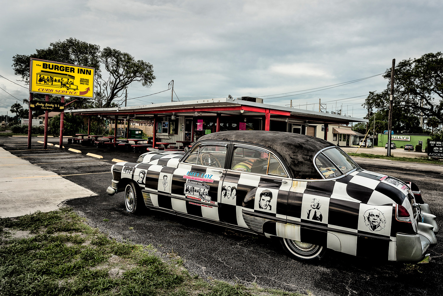 Burger Inn Cady Eau Gallie, Fl  (PL58_7445BWT) by Gary Jones