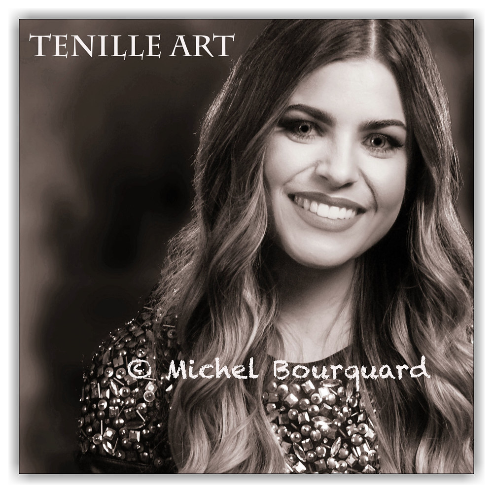 Tenille Arts at ACM  by Michel Bourquard