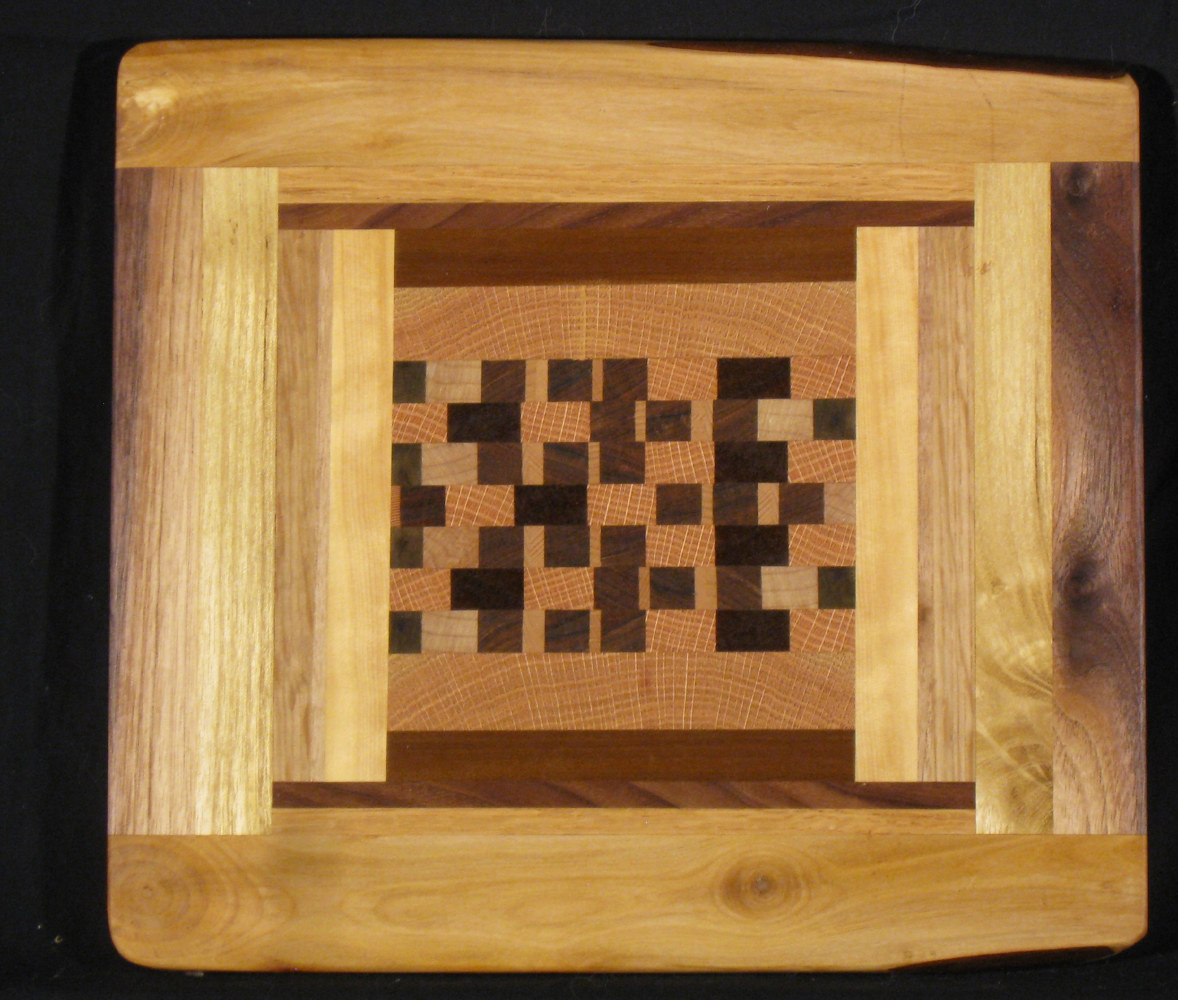 Live Edge / end grain board by Steve Sziklai