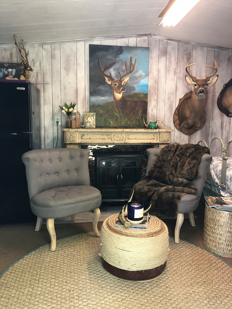 Mississippi Clients Deer Camp Commission   by Catron Wallace