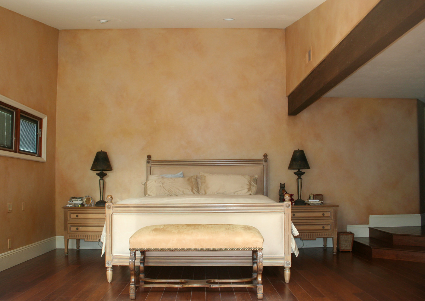 Palos Verdes Master Bedroom wall glaze (2) by Robert Milling
