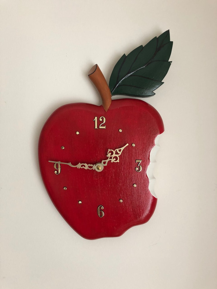 An apple a day clock by Vicki Allesia