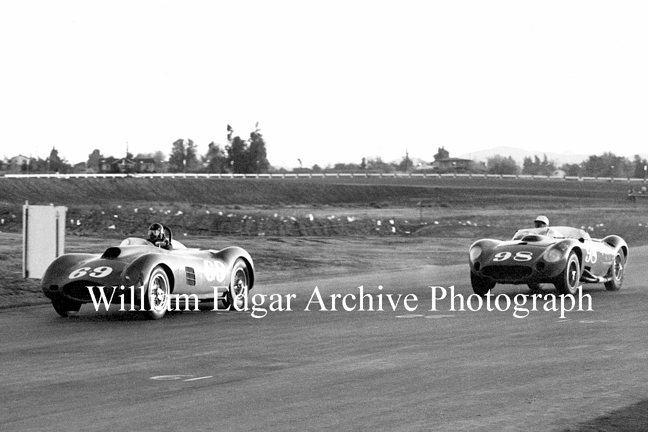 Photography [CS-RRCDG] Carroll Shelby in John Edgar's #98 450S Maserati about to pass the Ferrari 375 Plus of Dan Gurney - November 17, 1957 by William Edgar