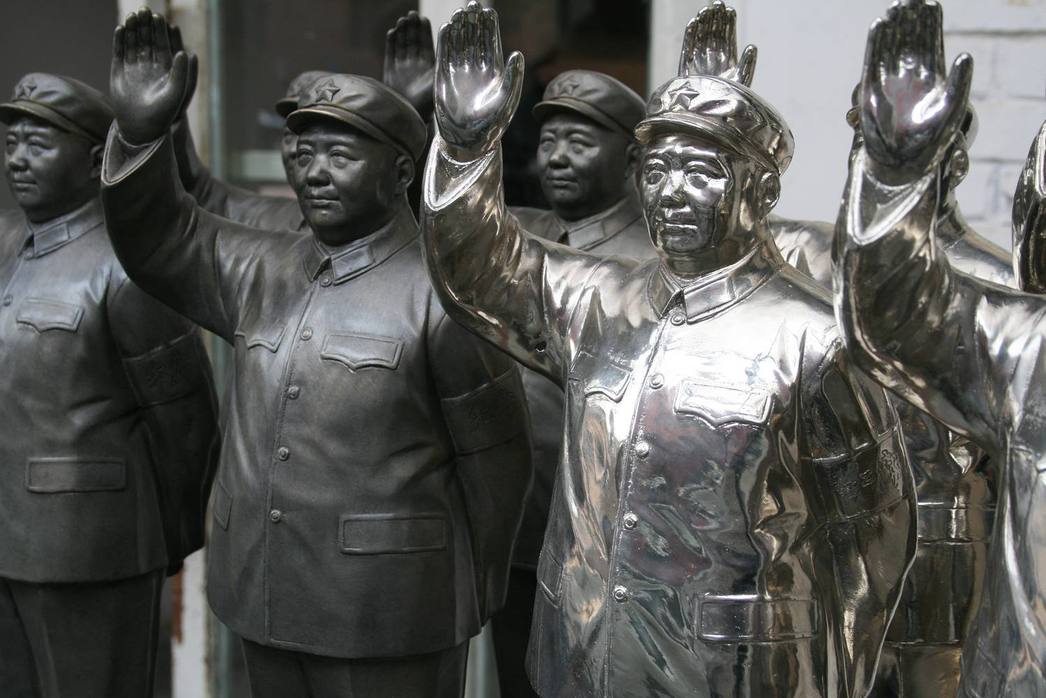 Mao inspired sculpture by Belinda Harrow