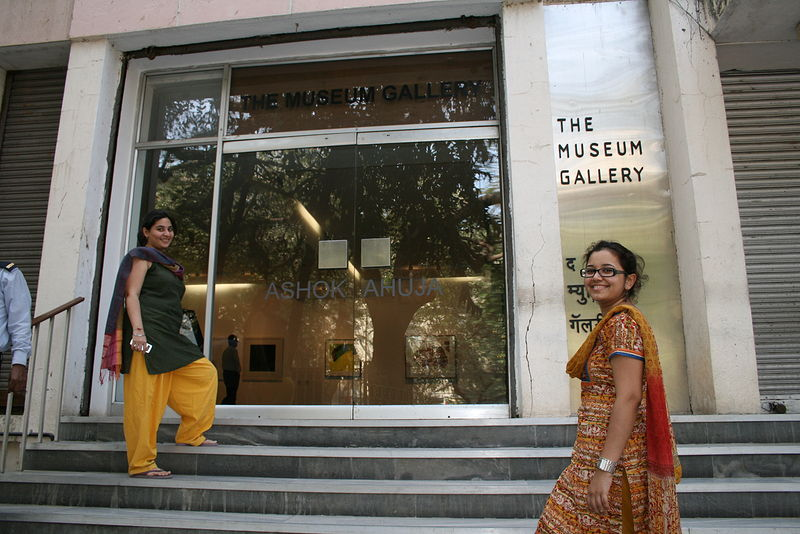 Touring Mumbai galleries with students by Belinda Harrow