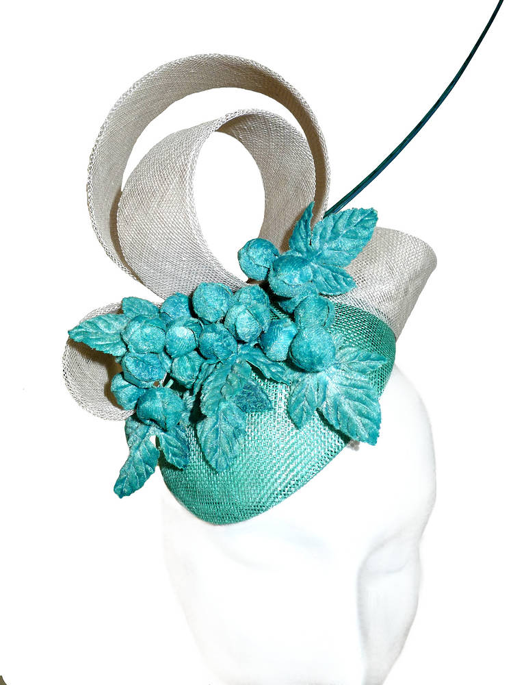 Vintage oyster and turquoise cocktail hat by Fiona Menzies